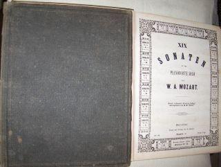 W. A. Mozart`s sämmtliche COMPOSITIONEN für PIANOFORTE - 19 Sonaten in 2 Bände. Komplett ! Mit Mozart `s Portrait, gest. v. Fr. Knolle (sign. im Druck) *.