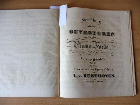Paer Betthoven Rossini u. a.: Sammlung beliebter OUVERTUREN für das Piano-Forte zu vier Händen. N° 1. enthaltend: Ouverture der Oper: die Wegelagerer von F. PAER // N° 3 ...Die Uniform von I. WEIGL // N° 4 ...Johann von Paris von BOIELDIEU // N°6 ...Ot...