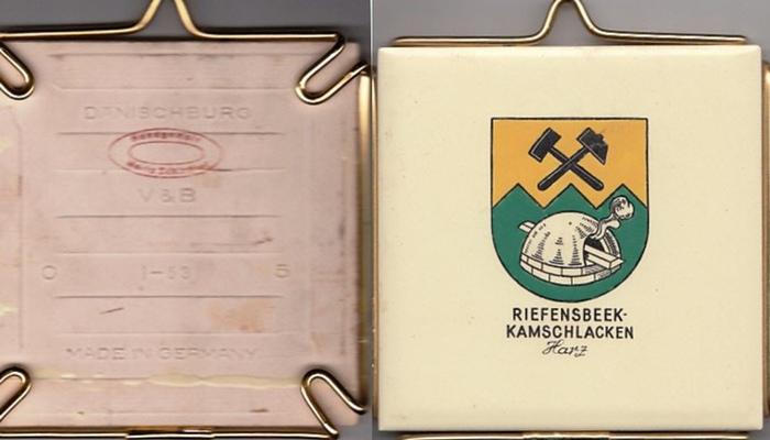 Osterode. - Riefensbeek / Kamschlacken im Harz. - Villeroy & Boch / Schindler, Maria (handgemalt): Riefensbeek-Kamschlacken. Harz. Handgemalte Kachel. 0
