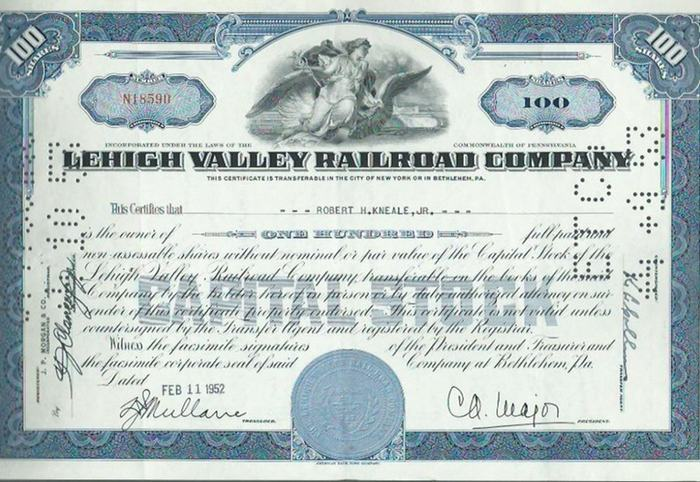 Lehigh Valley Railroad Company. - Aktie. - Lehigh Valley Railroad Company. This Certificate is transferable in the City of New York or in Bethlehem, PA. Aktie Nummer N18590 über 100 Shares ausgestellt für Robert H. Kneale, jr. am 11. Februar 1952.