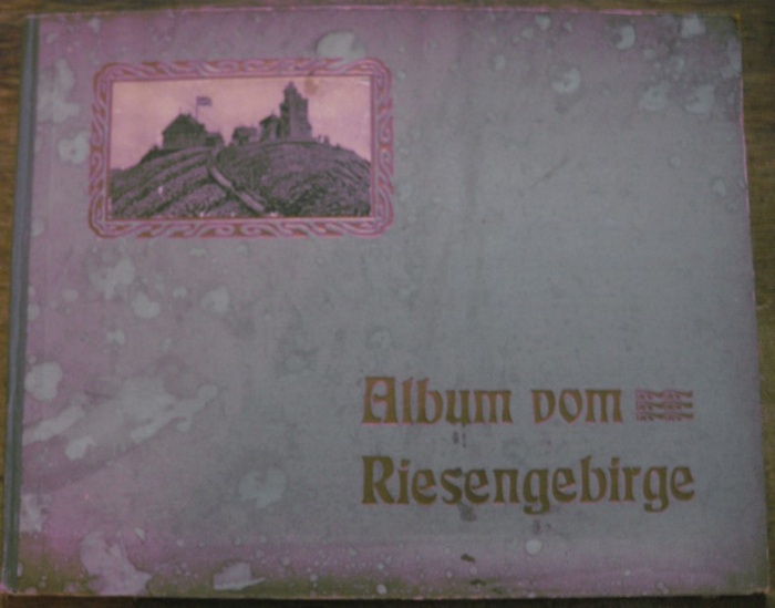Riesengebirge. - Album vom Riesengebirge. 32 Ansichten nach Momentaufnahmen in Photographiedruck.