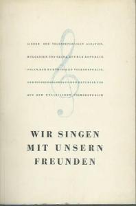 8°. Original-Broschur. Einband von Klaus Wittkugel. 173 (1) Seiten mit Noten, Texten, Übersetzern und Komponisten. Letzte Seite mit Bleistift-Notizen zu einigen Übersetzern. Gut erhalten.