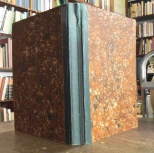 4° ( 28,2 : 20,8 cm). Einfacher grüner Halbleinenband, etwas berieben. Je Heft ca. 24 Seiten mit zahlreichen Abbildungen, Auf- und Grundrissen, Planskizzen. Gutes Exemplar.