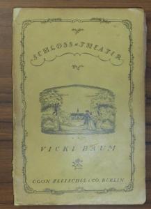 8°. Illustrierte Originalbroschur (Erich M. Simon). (6), 182 Seiten. Der Umschlag oben und unten mit gelblichem Papier passend hinterlegt. Das Papier etwas gebräunt, der Einband angestaubt.