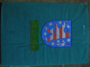 4° ( 29,5 x 21 cm). Grüner OriginalLeinenband, vom Autor eigenhändig eingebunden, mit von Hand coloriertem farbigen Thüringer Wappen auf dem Vorderdeckel sowie kleiner, montierter Fahne am oberen Rücken. Das Leinen ist an Ecken und Kanten knapp beschni...