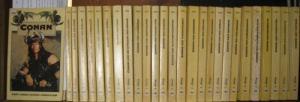 Conan - Saga. - Lin Carter / Andrew J. Offutt / Robert E. Howard / Poul Anderson / Lyon Sprague De Camp / Karl Edward Wagner / Howard Camp Carter / Robert Jordan / John Maddox Roberts: Konvolut mit 27 [der ersten 29] Bänden der Conan - Saga. Enthalten:...