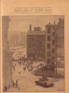 Der Spiegel. - Der Spiegel. Berlin, 17. Juni 1953. Teil aus dem Spiegel mit 12 Fotos von dem Aufstand in Berlin (DDR), mit Bildunterschriften.