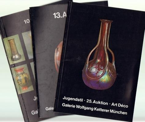 Galerie Wolfgang Ketterer. Jugendstil / Art Nouveau. Art Deco. Lampen, Glas, Vasen, Möbel, Schmuck, tiels auch Malerei, Graphik, Plakate u.a. 3 Auktionskataloge mit Ergebnislisten.