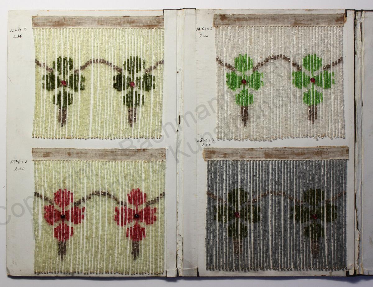 Mustermappe für Glasperlenvorhänge 8 Mustervorlagen Blumenmuster um 1900 rara xz 2