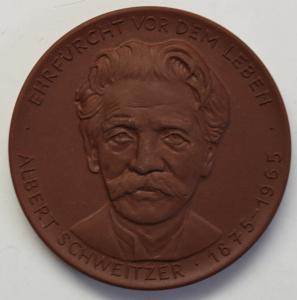 Medaille Albert Schweizer um 1970 Porzellan Meißen Deutschland Böttcherstein sf