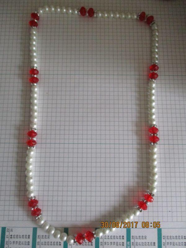 Perlenkette,ca 68 cm lang,sehr günstig,stammt aus einem nachlass