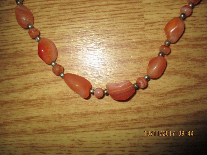 Halskette,bernsteinfarbig,ca 80 cm lang,stammtaus einem nachlass