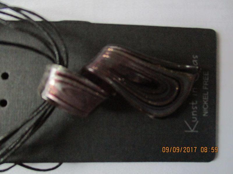 Halskette,mit einem GLASANHÄNGER,Kunst aus Glas,46 plus 5 cm länge,nickel frei