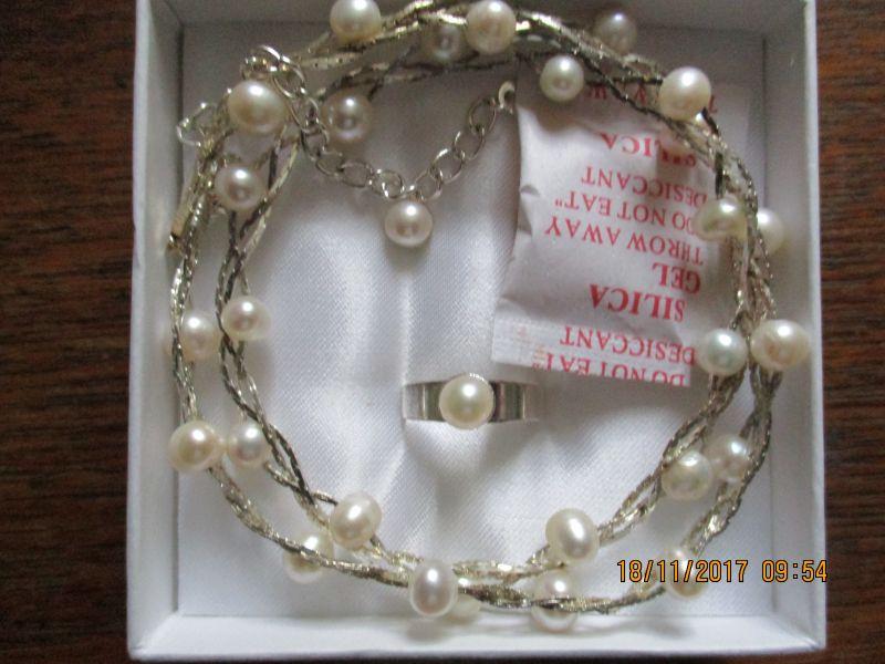 Perlenschmuck-Set,bestehend aus kette,40 plus 5cm,ring und ohrenstecker