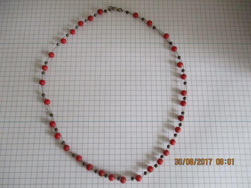 Halskette,ca 44 cm lang,stammt aus einem nachlass mit einem karabiener verschluss