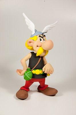 ASTERIX & OBELIX Asterix (stehend) Kunstharz Figur FARIBOLES ca.16cm NEU (L)