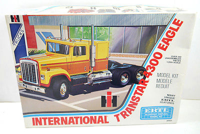 ERTL International Transtar 4300 Eagle Truck Modellbausatz 1:25 - Z2 (F18)