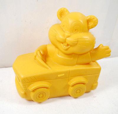COMMERZBANK Goldi Hamster mit Auto Werbefigur Spardose Prototyp #C (K1)