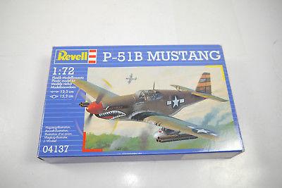 REVELL 04137 P-51B Mustang Flugzeug Plastik Modellbausatz 1:72 (K37)