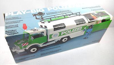 PLAY BIG 2460 Polizeiwagen mit Figuren & Zubehör Fahrzeug 70er mit OVP (F25)