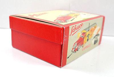 SCHUCO 01070 Garage mit Kommandoauto Auto rot Replica m.OVP (K39) 1