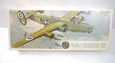AIRFIX 586 B-24J Liberator Flugzeug Plastik Modellbausatz 1:72 (F15)