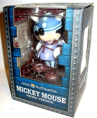 DISNEY Vinyl Collectible Dolls - Mickey Mouse Vikinger Figur ca.14cm OVP (L)