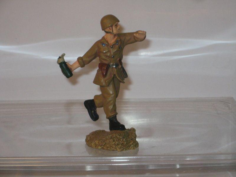 Hobby Work  WWII Soldat ca. 1/22,5 # 3  Russischer Soldat   Zinnfigur 8,5cm Neu