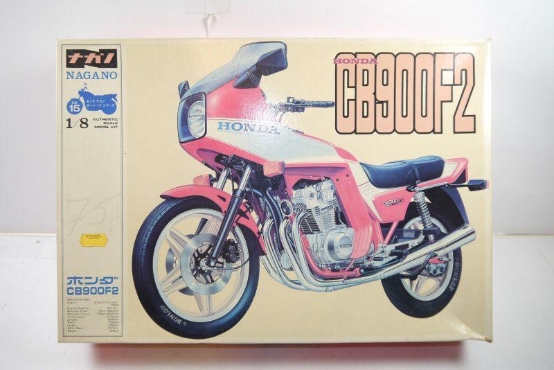 Nagano Honda CB900F2   Motorad Plastik Modellbausatz 1:8 (MF6 )