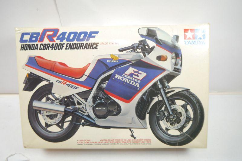 TAMIYA Honda CBR400F Endurance   Motorad Plastik Modellbausatz 1:12 (K62 )
