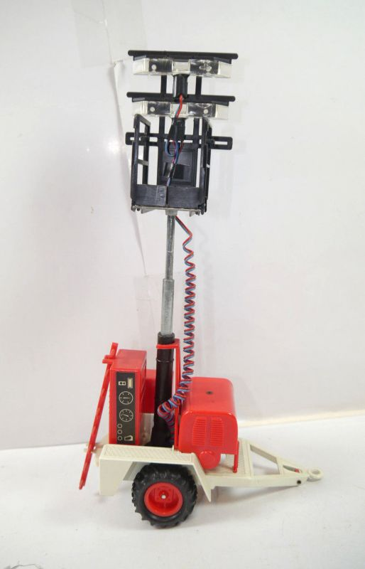 GAMA 012 Polyma Auto mobile Flutlichtanlage Modellauto 1:24 (K45)