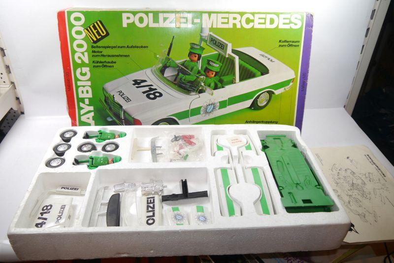 PLAY BIG 2000 Polizei Mercedes  Polizeiauto  mit OVP  1 :20  (KA1)