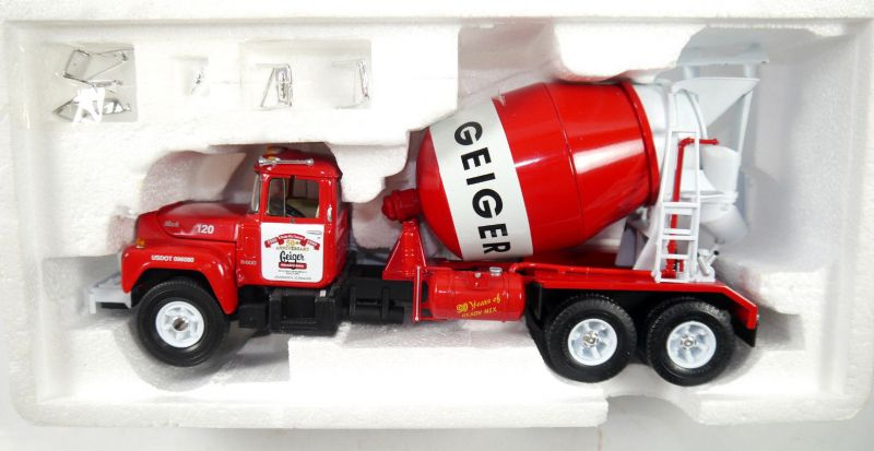 FIRST GEAR 19-2604 Mack R-Model Mixer GEIGER Metall Modellauto 1:34 (F3)