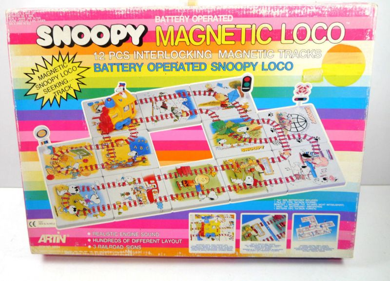 SNOOPY Peanuts  Magnetic Loco   Lokomotive mit Schienenplatten ARTIN (F29)