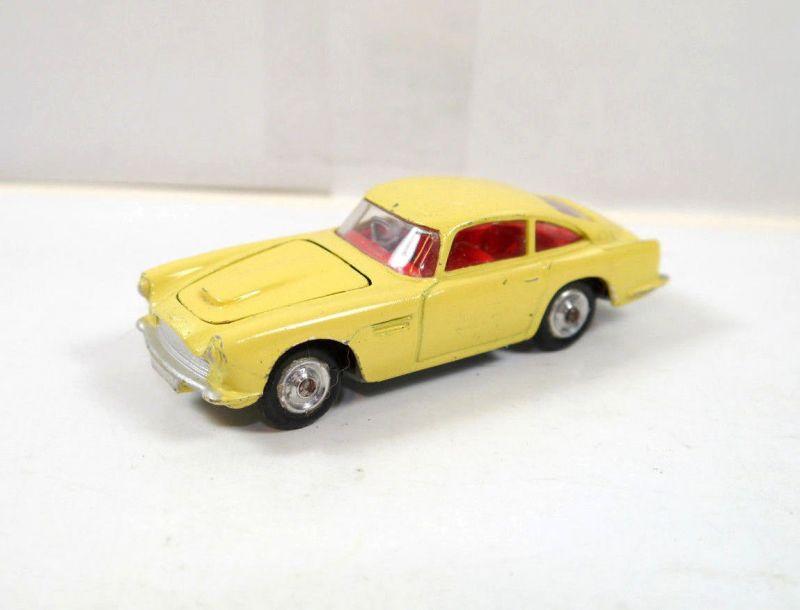 CORGI 21101/59 Aston Martin D.B.4. gelb yellow Metall Modellauto 1:43 (K36)#01
