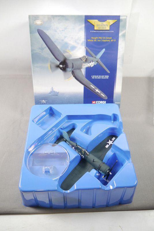 Corgi  Vought F4U-1A Corsair White 29 AA33002  Flugzeug 1:72  + OVP K28