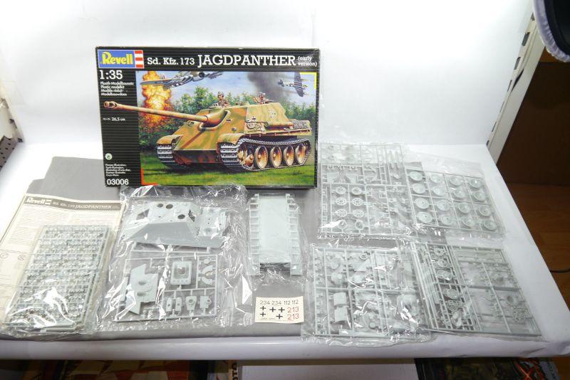 REVELL 03006 Sd.Kfz.173 Jagdpanther (early vers.   Panzer Modellbausatz 1:35  F2