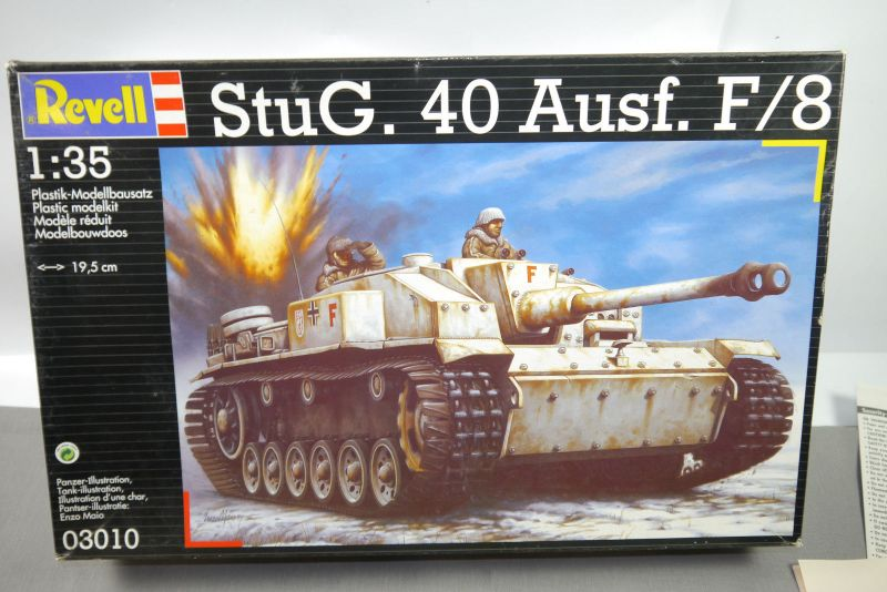 REVELL 03010 StuG.40 Ausf. F / 8   Panzer Tank   Modellbausatz 1:35  F4