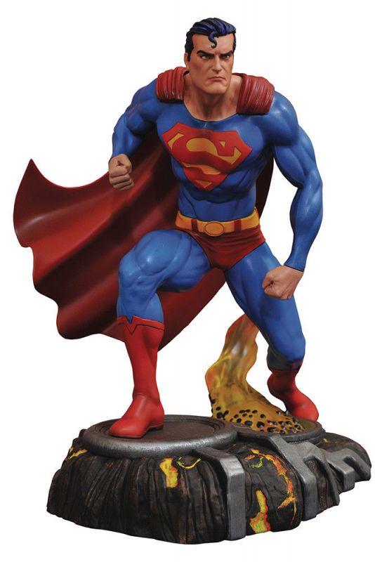 Superman  DC GALLERY Diamond Select Comic Statue ca. 22cm Neu OVP  ka3 *