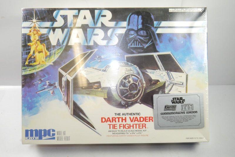 STAR WARS The Authentic Darth Vader Tie Fighter  Modellbausatz MPC ERTL 80er F1 0
