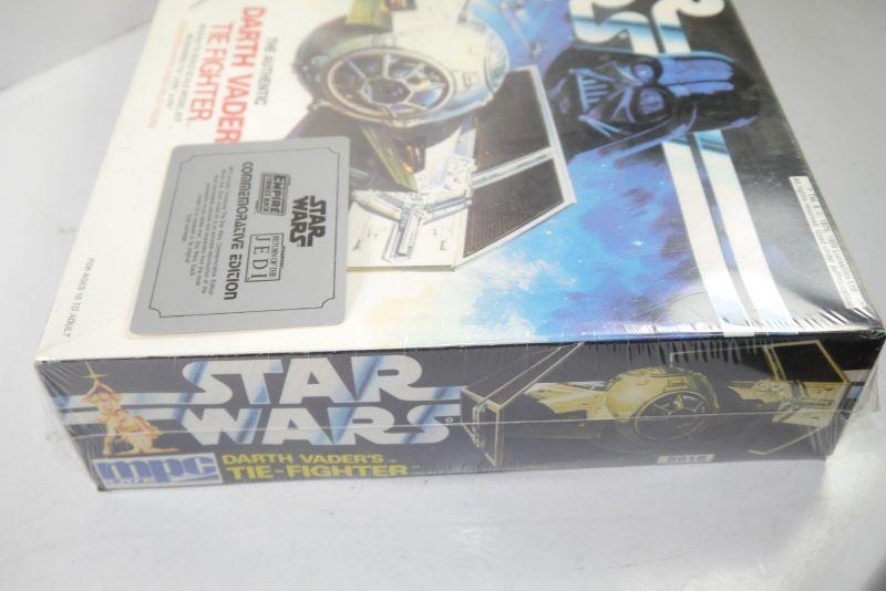 STAR WARS The Authentic Darth Vader Tie Fighter  Modellbausatz MPC ERTL 80er F1 2