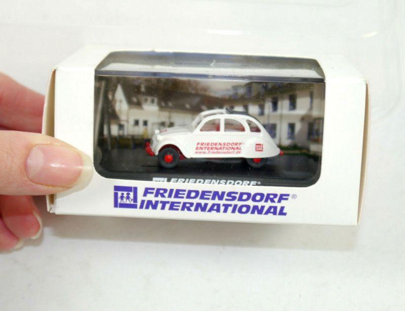WIKING Friedensdorf International Käfer Citroen 2 CV weiß 1:87 (K11) #17