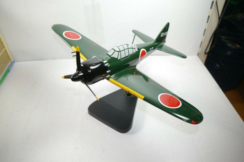 Flugzeug Standmodell ZERO Balsaholz balsa wood Spannweite  ca.43cm  KA1