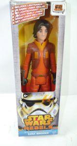 STAR WARS Rebels - Ezra Bridger Actionfigur TITAN HERO ca.25cm HASBRO (KB12) *