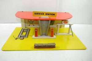 DDR Holz Tankstelle  Service Station 50 / 60er Jahre Stop Super   (F7)