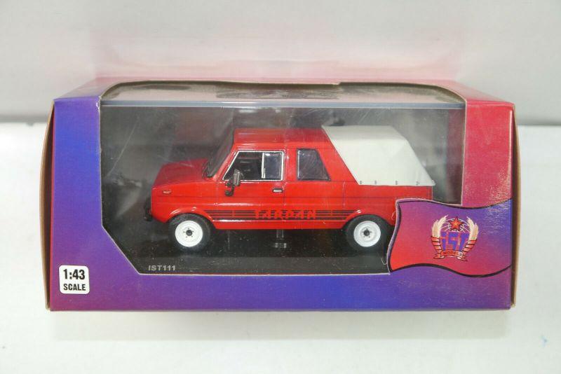 IST MODELS 111 Tarpan 237 ( 1976 ) rot Modellauto 1:43 (K42) # I