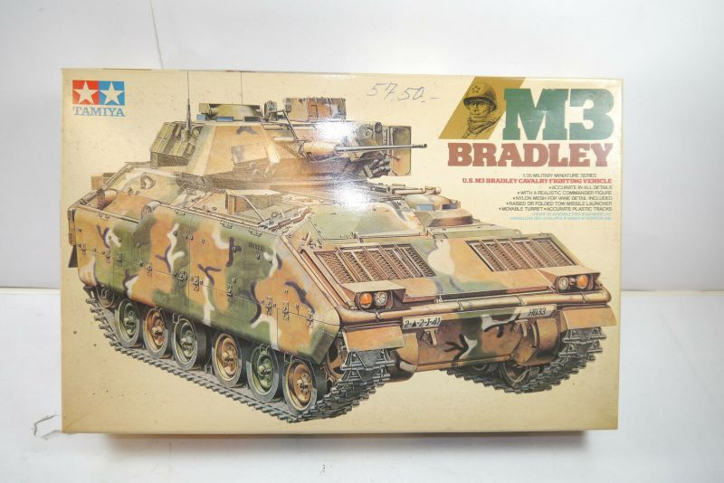 TAMIYA US M3 Bradley Cavalry  Tank Panzer  Plastik Modellbausatz 1:35 ( F16 )