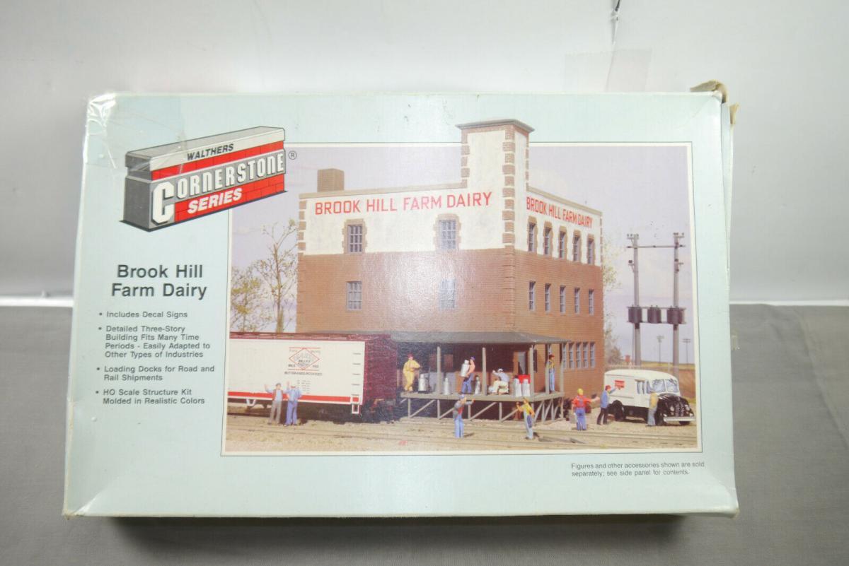 Walthers Cornerstone Brook Hill Farm Dairy 933-3010 H0 1:87 ( MF10 )