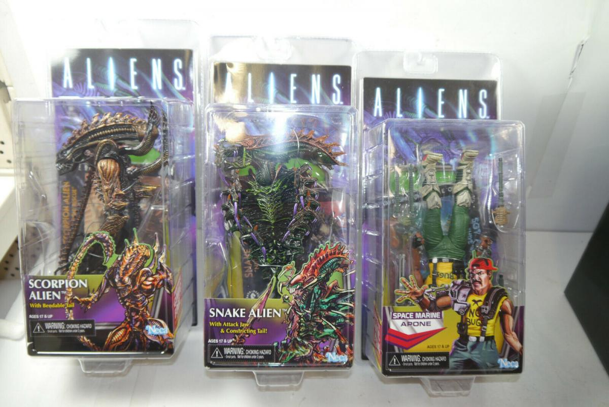 ALIENS Series 13 Scorpion Snake Alien Apone 3er Set Variante NECA Neu (MF7)