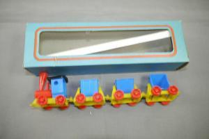DDR  Sonni Kinder  Zug Eisenbahn mit 3 Kippwargon ca.18cm in Box  (K7)